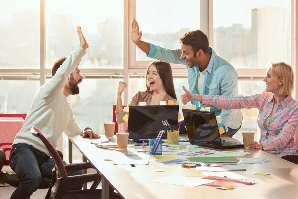 IFGL_Initiative_Gesundes_Leistungsklima_Titel_Hilfe_Burnout_team_Workshops